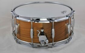 "Alto Beat Drums Snare Drum 14""x6,5"" Walnuss"
